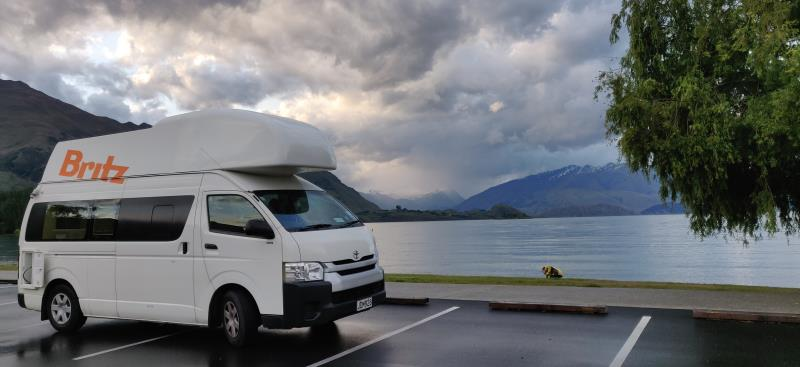Lake side camping at Wanaka