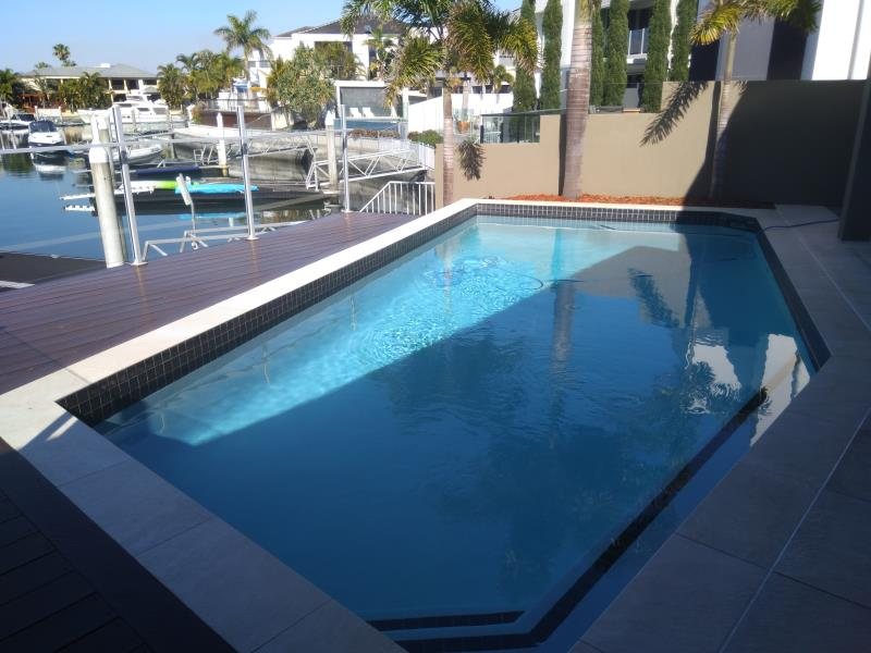 pool services Paradise Point