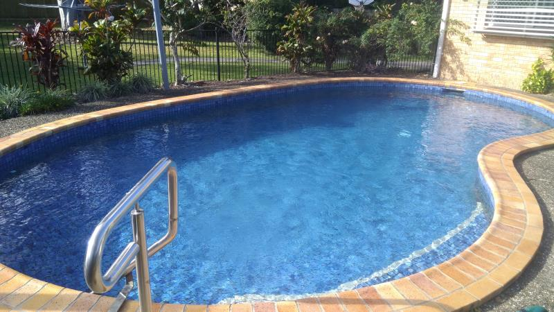 pool cleaner Southport