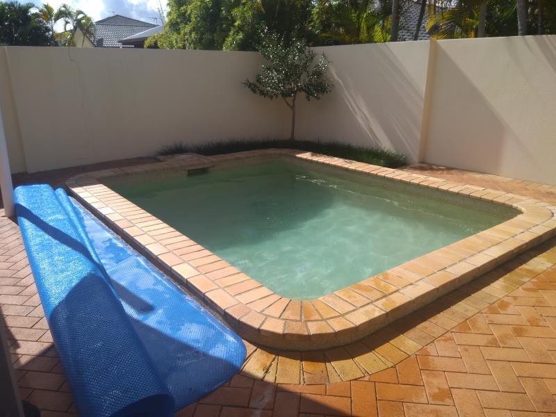 pool services Benowa