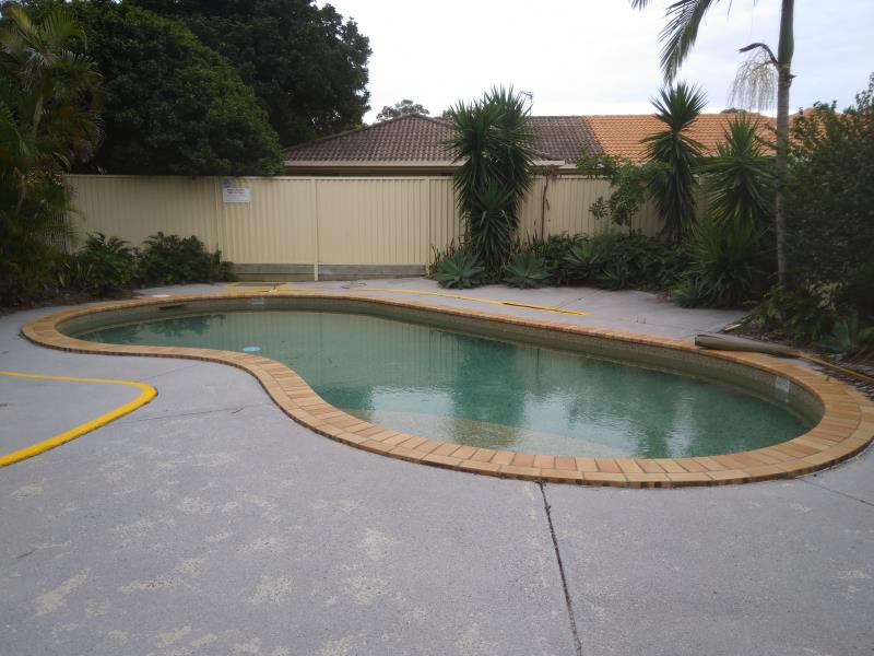 mobile pool cleaner Coomera