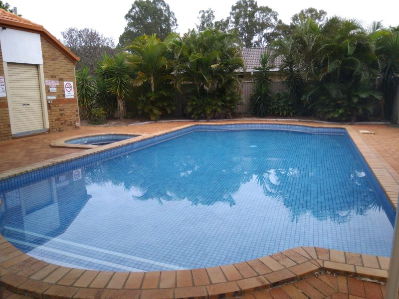pool services Coomera