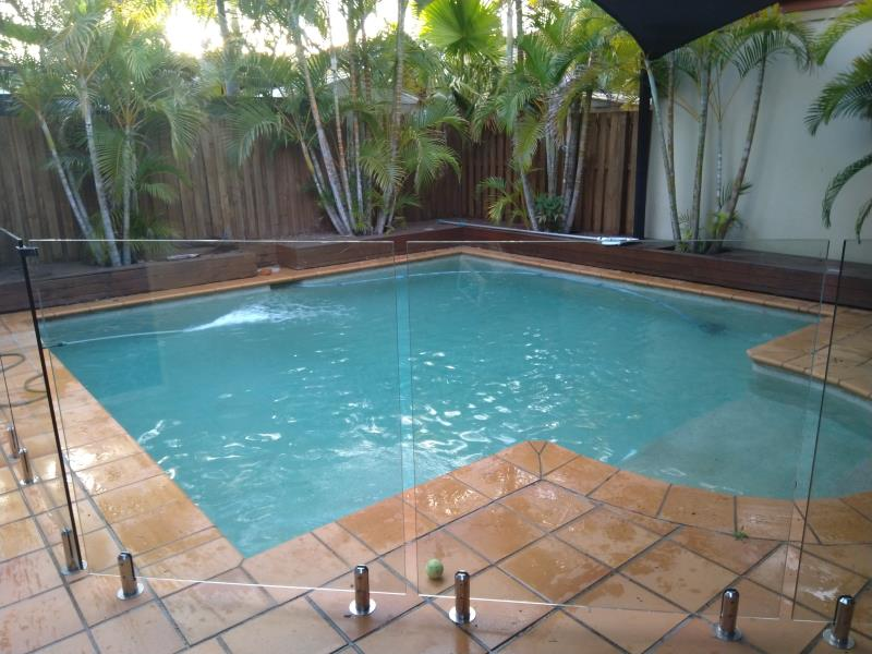 pool cleaner Helensvale
