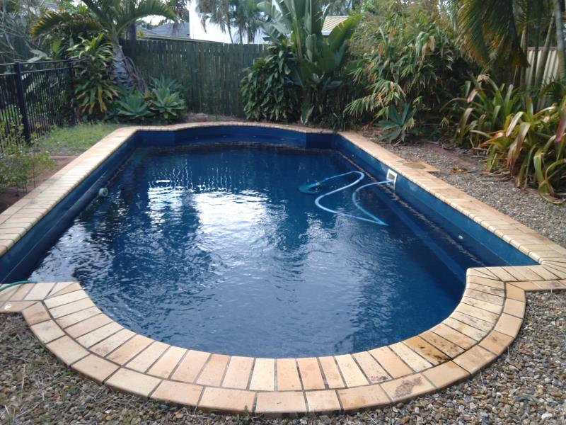 mobile pool cleaner Coombabah