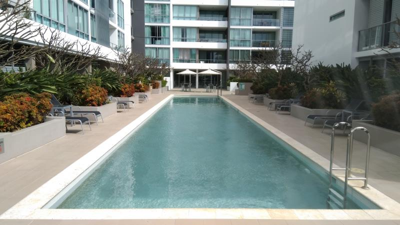 mobile pool cleaner Broadbeach
