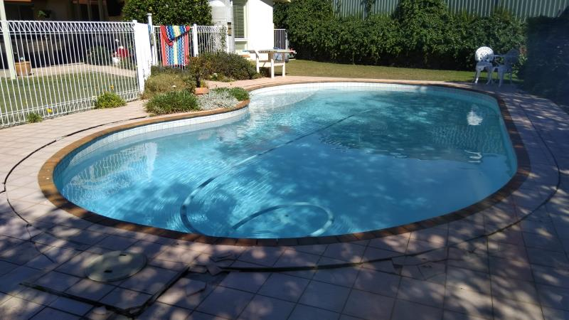 pool cleaner Arundel