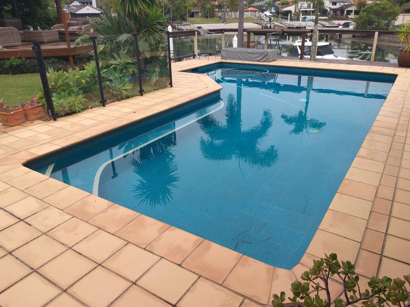 pool cleaners Southport
