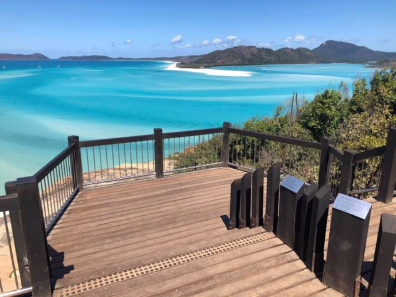 1 Day Whitehaven Beach BBQ, Hill Inlet Lookout & Snorkeling.