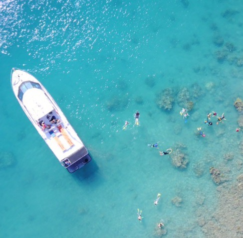 Airlie Beach Tours - How to get to Whitehaven Beach - Whitehaven Xpress.