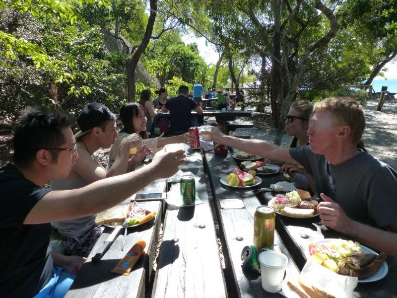 Aussie BBQ Lunch - Cheers | Whitehaven Xpress